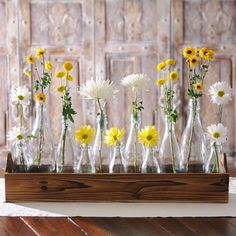 Help your mom celebrate the beauty of spring with our Glass Bottle Vase Runner Set. If she loves flowers, then this is the perfect gift for Mother's Day!