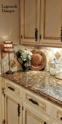 21 ideas french country kitchen cabinets back splashes Glazed Kitchen Cabinets, Country Kitchen Cabinets, Farmhouse Kitchen Decor, Kitchen Redo, Home Decor Kitchen, Kitchen Countertops, Kitchen Interior, Home Kitchens, Kitchen Remodel