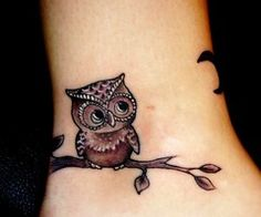 love this little owl. Am wanting to cover up my wrist tats with something better since they look like a toddler drew them and this is super cute.