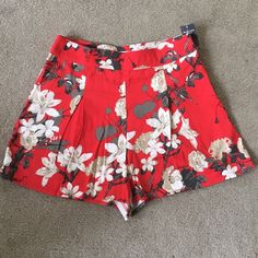 Abercrombie & Fitch Shorts Size 2 NWT. No model, no trade open to offers  Abercrombie & Fitch Shorts