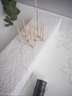 Well, I'm almost a bit late, BUT still in time; … – Diy Home Decoration Diy Jewelry Rings, Diy Jewelry Unique, Diy Jewelry To Sell, Diy Jewelry Holder, Diy Jewelry Making, Jewelry Crafts, Wire Ornaments, Diy Jewelry Inspiration, Diy Décoration