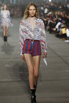 Tommy Hilfiger - Spring 2017 Ready-to-Wear