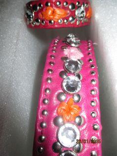 Wunderschönes Armband,Rot gewachstes Rindsleder,Orange Blumen eingestickt...... Hundehalsband,für Prinzessinen