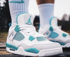 Oh yes Double tap if you want these Tag your friends if they are sneaker heads they want to see these Jordan Shoes Girls, Air Jordan Shoes, Girls Shoes, Jordan Swag, Sneakers Mode, Sneakers Fashion, Shoes Sneakers, Fashion Shoes, White Nike Shoes