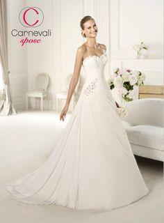 Carnevali Spose Mobile - Vestiti da sposa - Photogallery - Pronovias Fashion 1