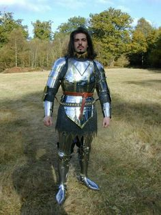 Early Century armour by White Rose Armoury Medieval Knight, Medieval Armor, Medieval Fantasy, Knight In Shining Armor, Knight Armor, Armor Concept, Arm Armor, Fantasy Armor, Chivalry