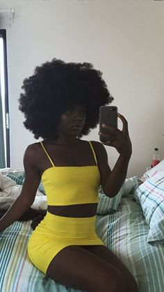 Black girls in yellow  - @Beejoloves