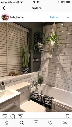 Bathroom - 20 or so Exceptional Tips and hints For showerintub Home, Bathroom Interior, Bathroom Decor, Small Bathroom Remodel, Remodel, New Homes, Beautiful Bathrooms, House, Shabby Chic Bathroom