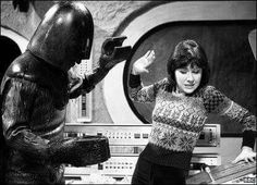 This is the closest Sarah ever got to meeting Darth Vader. From the Monster of Peladon First Doctor, Doctor In, Ice Warriors, Sarah Jane Smith, Sci Fi Tv Series, Doctor Who Companions, Classic Doctor Who, Tv Doctors, Crazy Man