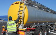 Denunciate 64 persone per traffico internazionale di gasolio http://247.libero.it/rfocus/24817904/1/denunciate-64-persone-per-traffico-internazionale-di-gasolio/