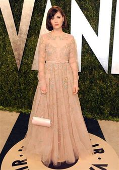 Zooey's gown at the 2013 Oscars Vanity Fair party (the prettiest dress)