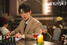 "The various findings in ""Chicago Typewriter"": The journey to find the soul of writing & a writer's critical self-reflection – Yoo Ah In SikSeekLand Korean Drama 2017, X Movies, Films, Sungkyunkwan Scandal, Most Popular Movies, Yoo Ah In, Acting Skills, Past Life, Korean Actors"