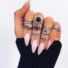 18 Breathtaking Designs for Almond Nails to Refresh Your Look ★ Glamorous Nude Almond Nails for Any Outfit Picture 1 ★ See more: http://glaminati.com/almond-nails/ #almondnails #naildesigns