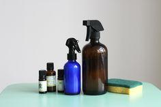 #DIY : 2 recettes maison de Sprays Nettoyants naturels pour la Maison par Mango and Salt @mangoandsalt