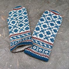 Ravelry: mgermain's Latvian Mittens a la Irma Mittens Pattern, Knit Mittens, Knitted Gloves, Fair Isle Knitting, Knitting Yarn, Knitting Patterns, Fingerless Mitts, Color Shapes, Knitting Accessories