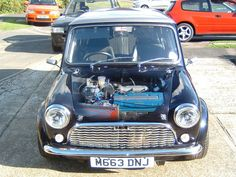 The impossible is possible! A Honda vtec-engine in a standard length roundnose mini.