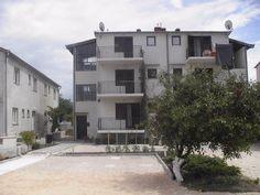 Sabo apartmani http://www.croatia-tourism.eu/ponuda/viewproperty/apartmani-sabo-drage-pakostane/499?lang=hr #Croatia #accommodation #tourism #apartmani
