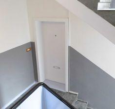 Grand City Property   Neue Farbe Für Treppenhäuser Der Huttenstraße In  Berlin   Immobilien   Wohnung