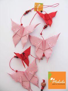 Línea de mariposas un producto de Malula, papel en movimiento