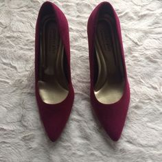 Burgundy heels Worn twice. No flaws. Super adorable and comfortable ( not aldo just for views ) got them at a boutique ALDO Shoes Heels