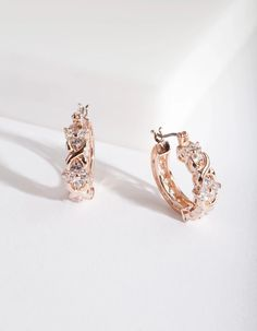 Description These rose gold-tone earrings boast an intricate hoop design with cubic zirconias scattered along. Add some subtle glam to your look. Rose Gold Earrings, Statement Earrings, Sterling Silver Earrings, Lovisa Jewellery, Rose Gold Jewelry, Bridesmaid Jewelry, Wedding Rings, Golden Child, Frosting