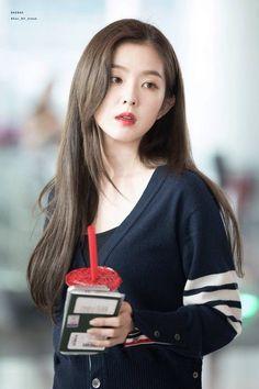 K-Pop Babe Pics – Photos of every single female singer in Korean Pop Music (K-Pop) Red Velvet アイリーン, Red Velvet Irene, Seulgi, K Pop, Asian Woman, Asian Girl, Red Velet, Velvet Fashion, Swagg
