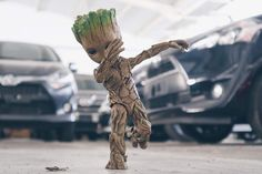Groot' s Swag Marvel Art, Marvel Heroes, Marvel Avengers, Marvel Characters, Marvel Movies, Disney Drawings, Cute Drawings, Groot Guardians, Avengers Wallpaper