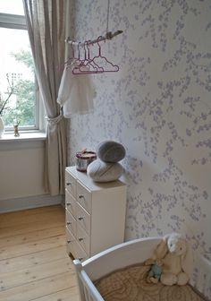 AS-boernevaerelse-tapet. Romantic Girl, Cat Room, Kids Board, Kidsroom, Diy Projects To Try, Interior Design Inspiration, Baby Kids, Room Decor, Nursery