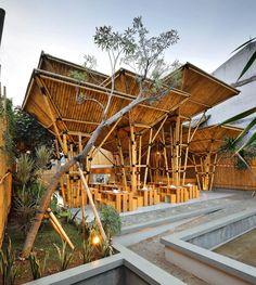 DSA+s, Restaurant at Greenville, Jakarta, Indonesia © Fernando Gomulya. Wood Architecture Now! Vol. 2
