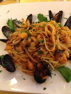Linguine allo scoglio. Le ricette dello Chef del ristorante Giglio Rosso di Firenze.