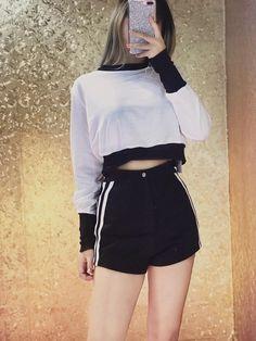 Teen Fashion Outfits, Grunge Outfits, Cute Fashion, Girl Fashion, Aesthetic Fashion, Aesthetic Clothes, Ulzzang Fashion, Korean Fashion, Cute Casual Outfits
