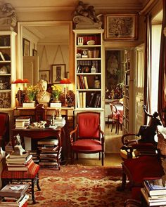 English Living Room Interior Design New Perfect Light for Reading some Books Lovely Home In 2019 English Country Decor, Country French, Country Style, Muebles Living, Home Libraries, Cottage Interiors, Cozy Room, Interior Design Living Room, Living Spaces