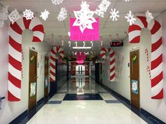 Candy Cane decoration in School Coridoors decorations classroom Easy Christmas Classroom Decorations you'll have to check out before you scroll up Diy Christmas Door Decorations, Decoration Creche, Christmas Door Decorating Contest, Candy Cane Decorations, School Door Decorations, Christmas Themes, Candy Cane Christmas, Christmas Grotto Ideas, Christmas Wreaths