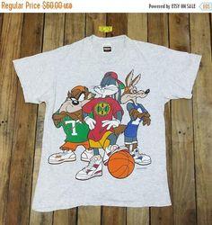 ad4afd95 LOONEY TUNES Space Jam Shirt Unisex Medium Vintage 90's Looney Tunes Cartoon  Bugs Bunny Tee Tasmanian Basketball Nba Tshirt Size M