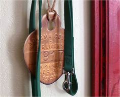 Instructions for enlarging everyday objects (like dog tags and tickets) for decor