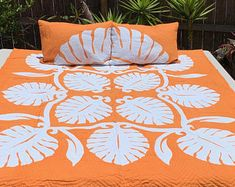 Aloha Living by PalamaImports on Etsy Hawaiian Quilt Patterns, Hawaiian Quilts, Applique Designs, Quilting Designs, New Home Wishes, Hawaiian Designs, Purple Quilts, Batik Quilts