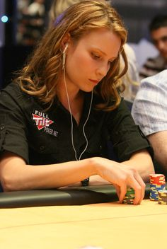 Erica Schoenberg is an American professional blackjack and poker player. #poker #babes