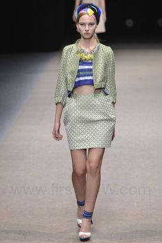 Yuma Koshino - Ready-to-Wear - Runway Collection - Women Spring / Summer 2015 - See more at: http://firstview.com/collection.php?p=75&id=40473&of=81#sthash.Fk9QbNbv.dpuf