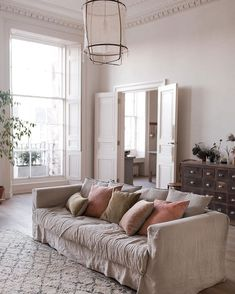 A slower pace of living in the most beautiful home in Edinburgh – deVOL Kitchens Devol Kitchens, Linen Sofa, Slow Living, Beautiful Homes, Living Room Decor, Sweet Home, Lounge, Interior Design, Decoration