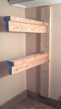 Build a sturdy/collapsible Saddle Rack