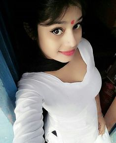 Find the perfect Beautiful Girls Selfie: Jawhara Indian Hot and Beautiful Cute Selfie Girl From Mumbai Beautiful Girl Photo, Cute Girl Photo, Beautiful Girl Indian, Most Beautiful Indian Actress, Beautiful Saree, Stylish Girls Photos, Stylish Girl Pic, Indian Girl Bikini, Indian Girls Images