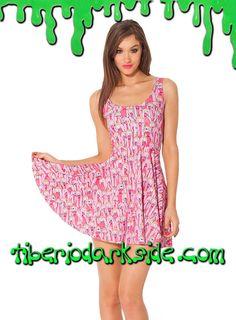 ADVENTURE TIME PRINCESS BUBBLEGUM SKATER DRESS  Vestido con el personaje de la serie Hora de Aventuras (Adventure Time): Princesa Chicle, de color rosa, con muchas caras y posturas diferentes. Impresión digital. Ceñido, sin mangas y con falda de vuelo. Materiales: polyester y spandex.  COLOR: AMARILLO TALLA: ÚNICA  ÚNICA - vale para tallas 36 a 42, hasta 95 cm pecho aprox  DE LA MISMA COLECCIÓN