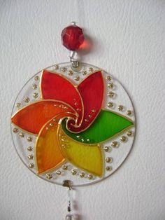 1 million+ Stunning Free Images to Use Anywhere Glass Painting Designs, Dot Art Painting, Mandala Painting, Mandala Art, Old Cd Crafts, Diy And Crafts, Crafts For Kids, Recycled Cds, Recycled Crafts