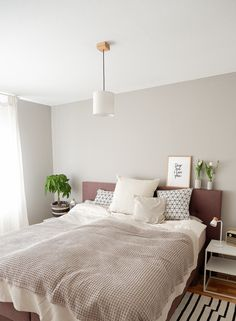 Bedroom Furniture Sets, Room Decor Bedroom, Cluttered Bedroom, Mens Room Decor, Rooms Ideas, Home Office Decor, Home Decor, Large Bedroom, Home Accents