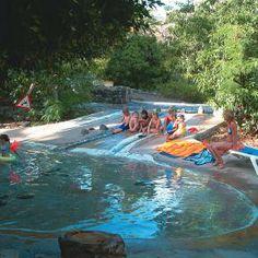 Das Bassin mit Rutsche - Familienurlaub mit ReNatour