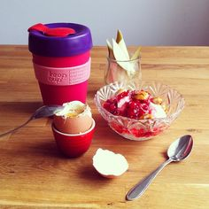 looove my KeepCup! had it for 3 years now :) Caffeine, 3 Years, Tumblers, Tea Time, Bottles, Daisy, Sunshine, Container, Mugs