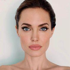 Plaza Digital: Angelina Jolie