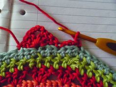 Suz Place: How to Add Granny Square Corners to a large circular motif...a mandala may be