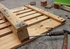 Aujourd'hui, nous voulons vous présenter un petit guide sur les étapes de base de la façon de construire des meubles de palette. Nous avons seulement avoir à l'esprit 6 concepts, qui se…