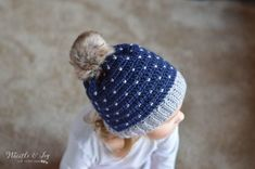 FREE Pattern: Crochet Snowfall Hat- The snowfall technique is easier than it looks! Pattern includes sizing from baby to adult.